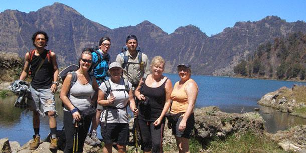 rinjani-summit-trekking-3-days-2-nights