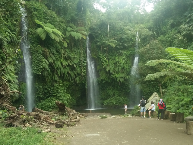 Benang Stokel and Kelambu Waterfall Tour