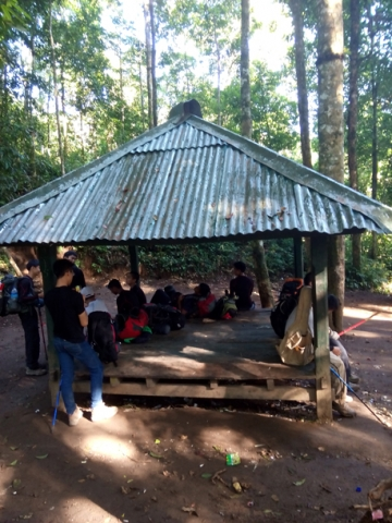 Rest shelter at Pos Extra on Mount Rinjani Trek