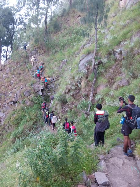 Trekking trails from senaru Crater rim to the lake