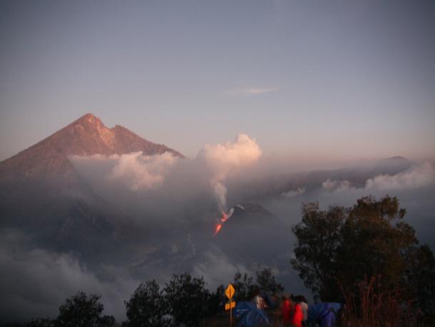 The eruption of Gunung Baru on Mount Rinjani