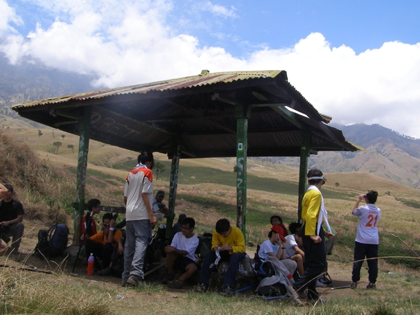 Pos 1 Sembalun, the first rest selter on the way to Sembalun Crater Rim