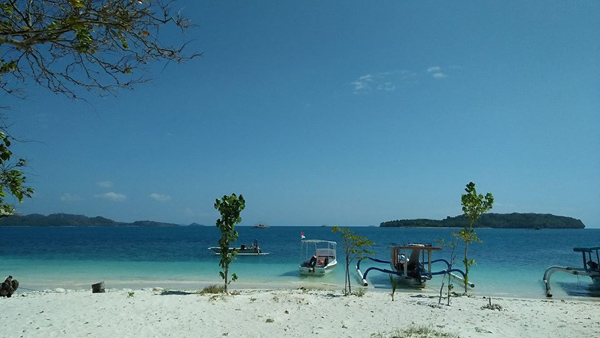 stunning view at Gili Kedis