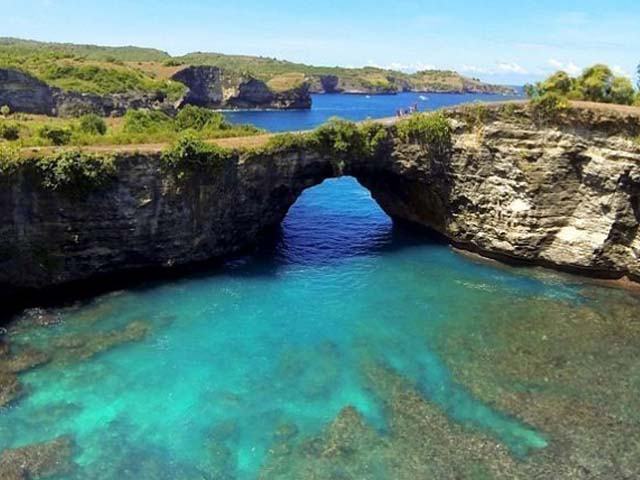 Stunning view at Broken Beach Nusa Penida