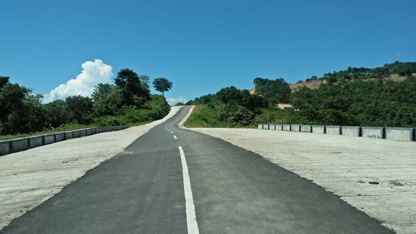 new road to mekaki beach sekotong, lombok