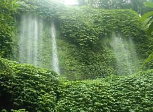 Benang Kelambu Waterfall view